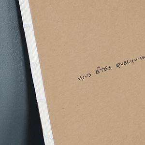 Vous êtes quelqu'un